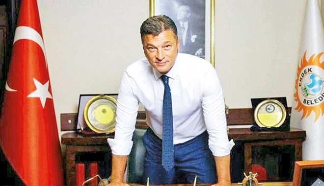 Erdek Belediye Başkanı Hüseyin Sarı 'İhaleye fesat karıştırmak'tan görevinden uzaklaştırıldı