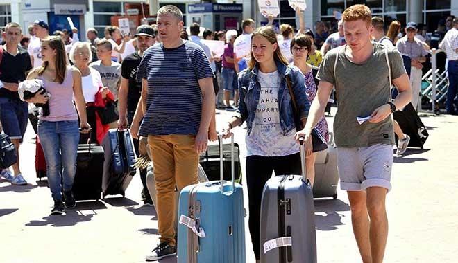 Tatilciler sokağa çıkma yasağından muaf tutulacak