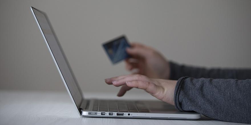 Yeni Normalde De Bayram Alışverişini İnternetten Yaptık
