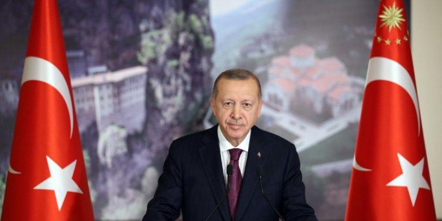 Erdoğan, Atatürk'e lanet okuyan Ali Erbaş'a sahip çıktı: Art niyetli buluyorum