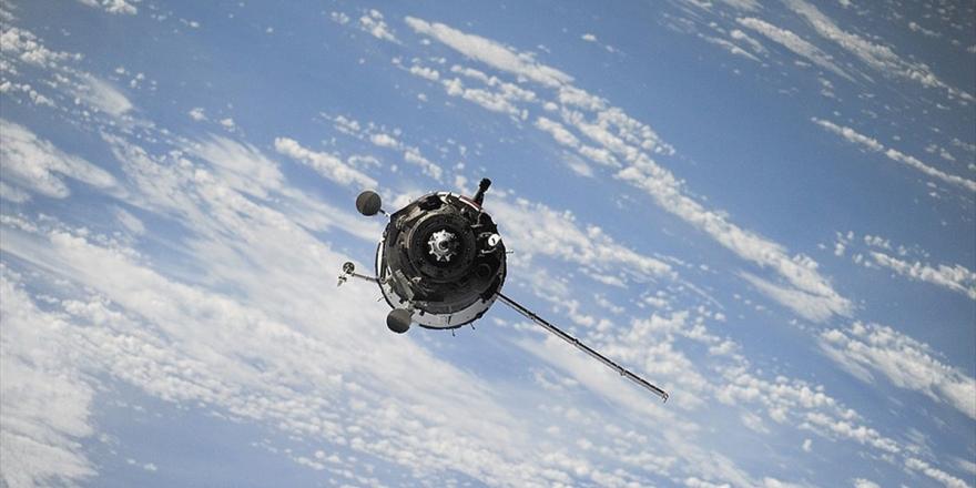 Çin'in Mars Keşif Aracı Tianwen-1 Dünya'dan 15 Milyon Kilometre Uzaklaştı