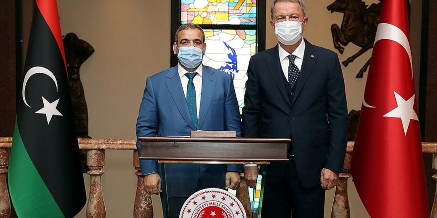 Milli Savunma Bakanı Akar: Türkiye Bölgenin İstikrar Kazanması İçin Gayret Göstermeyi Sürdürecek
