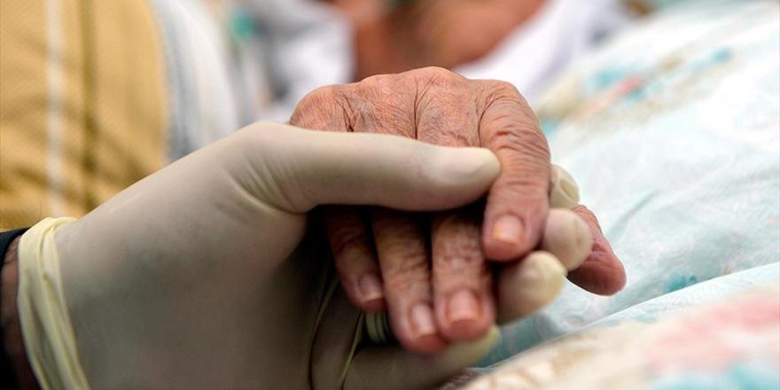 Evde Sağlık Hizmetinden Yararlananların Sayısı 1,5 Milyonu Aştı
