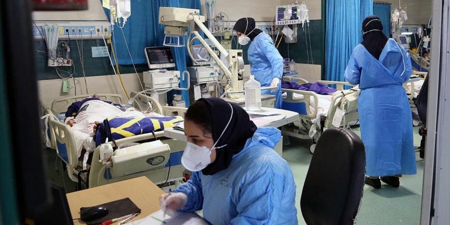 İran'da Kapasitesi Dolan Kovid-19 Hastanelerindeki Sağlık Çalışanları Salgına Karşı Zorlu Mücadele Veriyor