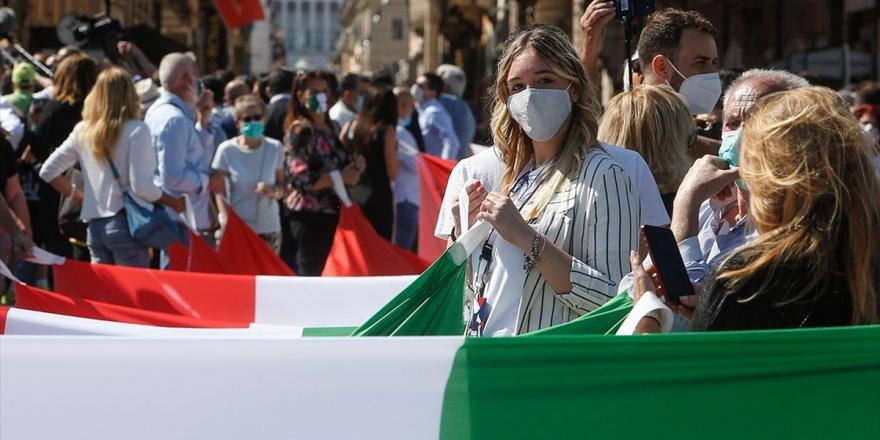 İtalya'da Kovid-19 Salgınında En Yüksek Günlük Vaka Sayısına Ulaşıldı