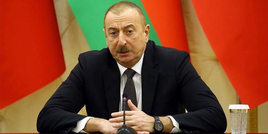 Azerbaycan Cumhurbaşkanı Aliyev: Ateşkes İsteyenler Ermenistan'a Silahlar Gönderiyor