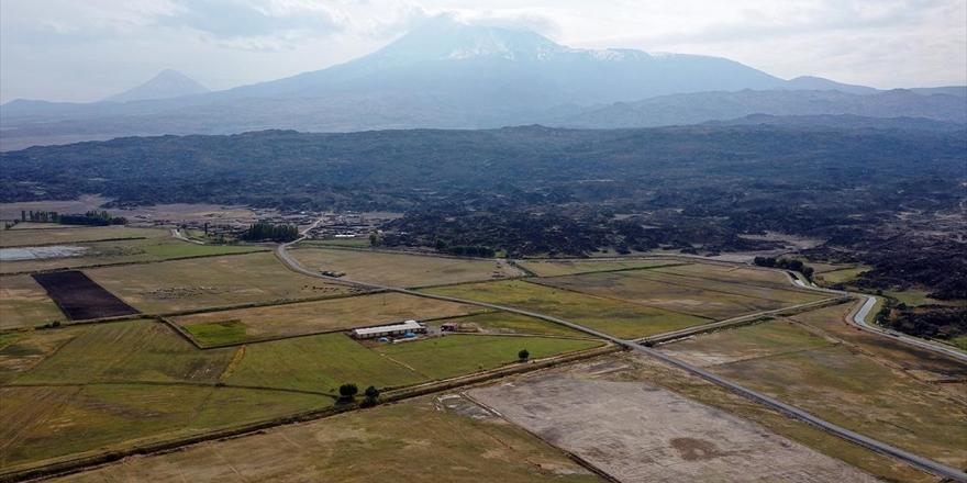 Ağrı Dağı Su Kaynakları Ve Bozulmamış Doğasıyla Çevresine Hayat Veriyor