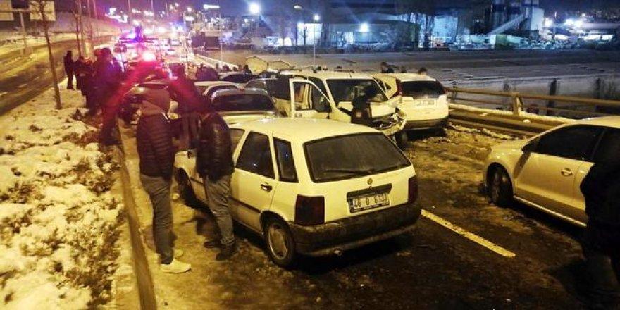 Ankara'da 28 araçlı zincirleme kaza