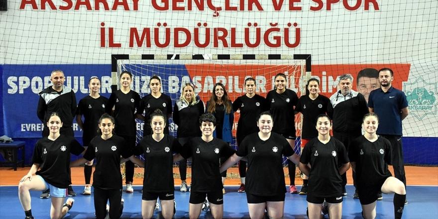 Öğretmen Ve Öğrencilerin Kurduğu Hentbol Takımı Süper Lig Gururu Yaşıyor