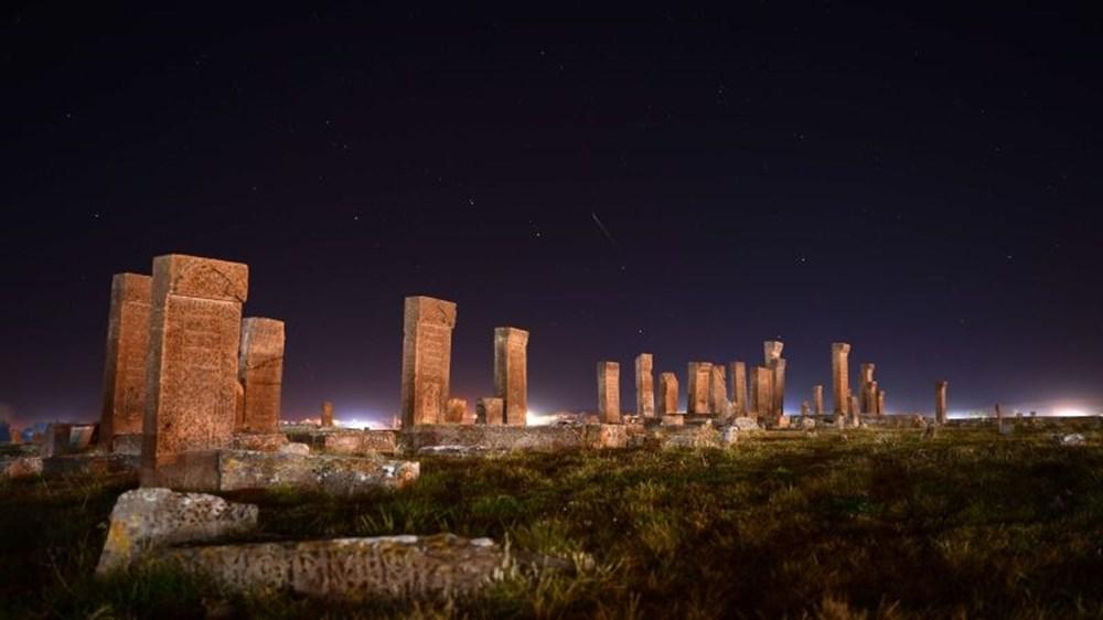 Dünyanın en büyük Türk-İslam mezarlığı: Ahlat Selçuklu Meydan Mezarlığı