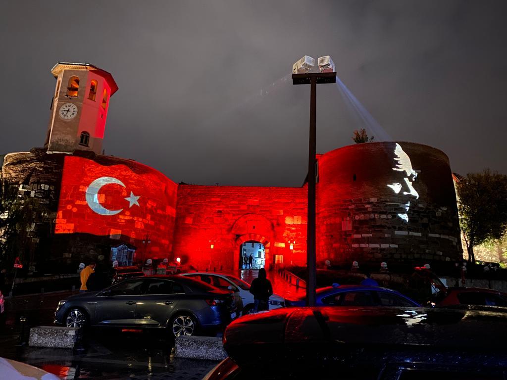 Ankara Kalesi Cumhuriyet'i böyle kutladı!