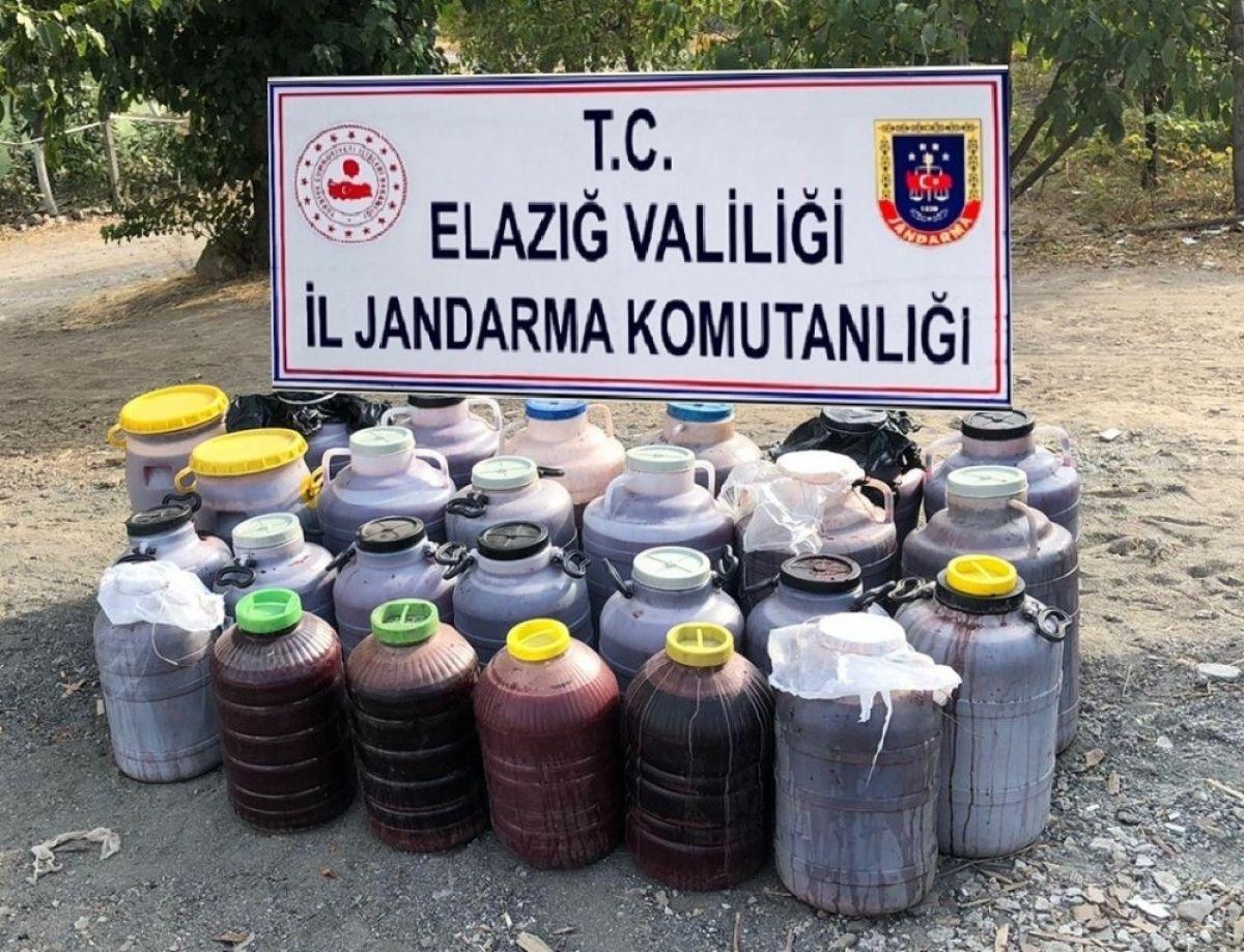 Elazığ'da 1 tondan fazla kaçak şarap ele geçirildi