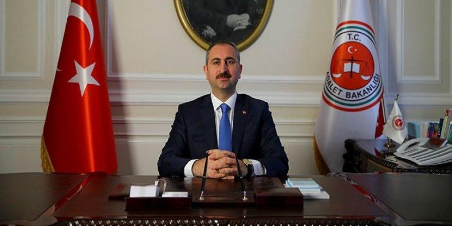 Adalet Bakanı Abdulhamit Gül'den FETÖ elebaşı açıklaması.