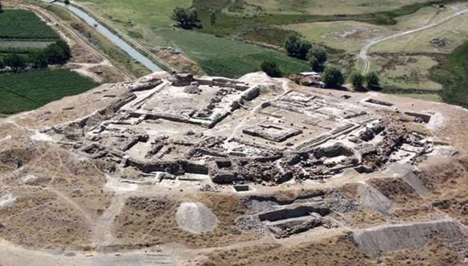 Urartuların 2 bin 900 yıllık kalesi turizme kazandırılıyor