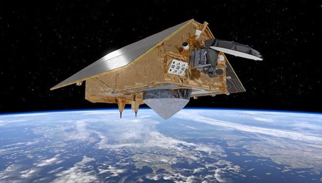 SpaceX NASA-ESA uydusunu taşıdı