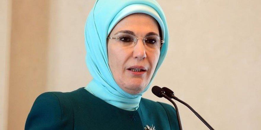 """Emine Erdoğan: """"Mafya babaları, zorbalar rol model olamaz"""""""