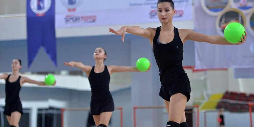 Kılıçdaroğlu, Avrupa Ritmik Cimnastik Şampiyonu Milli Takım Sporcularını Kutladı