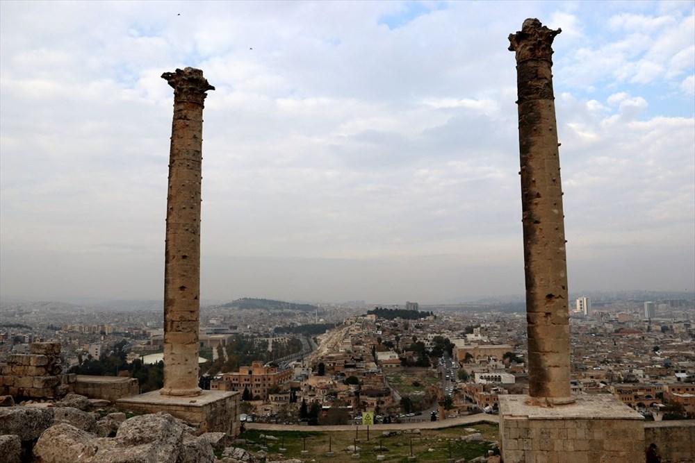 Urfa'nın tarihi kalesi gün yüzüne çıkarılıyor