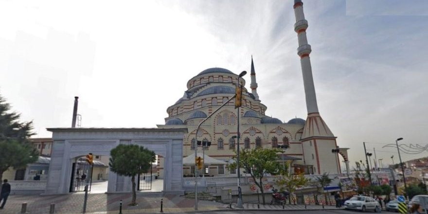 AK Parti'li belediye vergi borcunu cami satarak ödemek istiyor