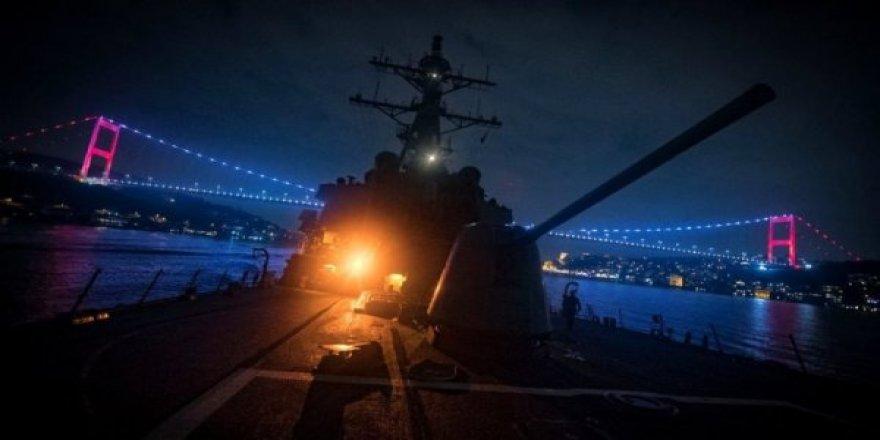 ABD destroyeri Boğaz'dan geçti