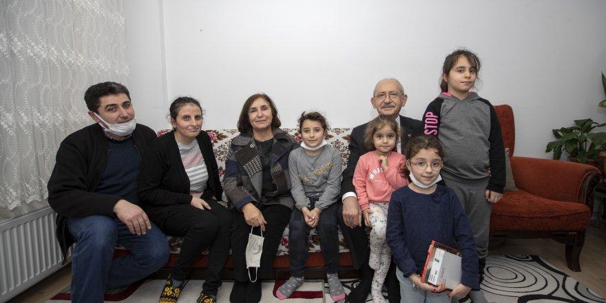 Kılıçdaroğlu Çiftinden Apartman Görevlisi Aileye Ziyaret