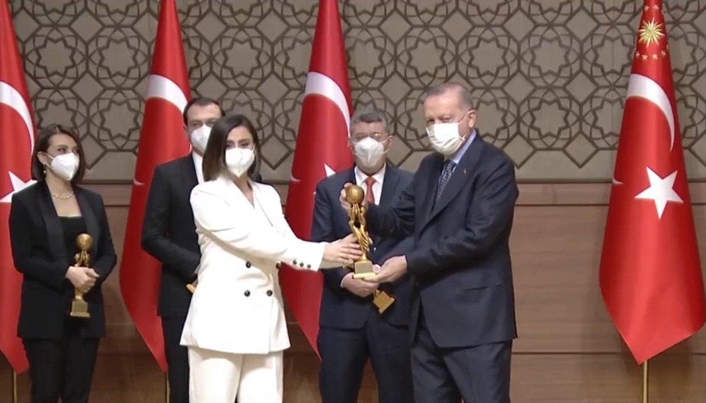 Cumhurbaşkanı Erdoğan, sosyal medya şirketlerine sert çıktı!