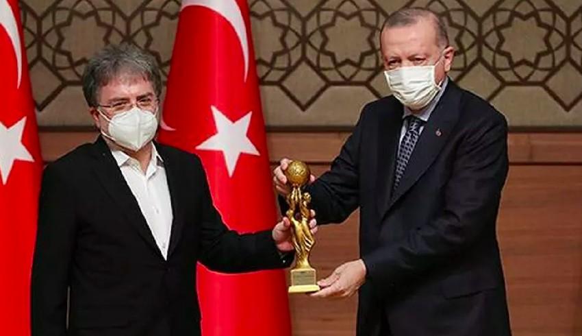 Cumhurbaşkanı Erdoğan'dan Ahmet Hakan'a 'Medya Oscar Ödülü'