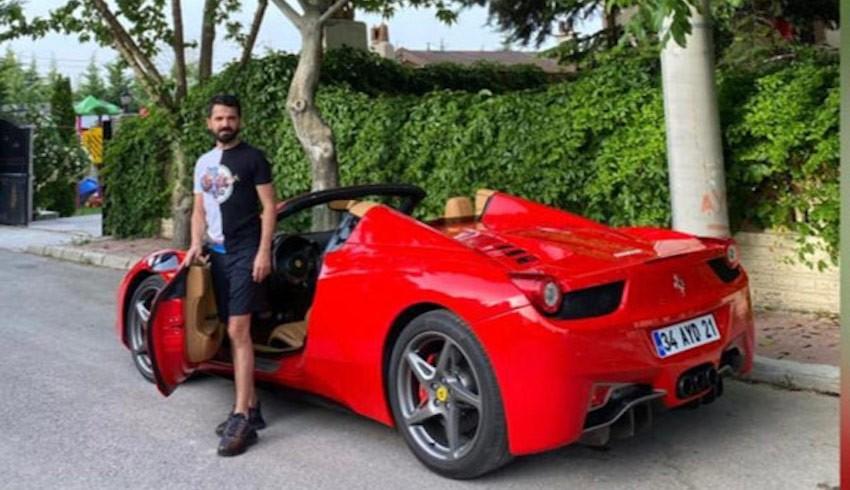 Faizsiz ev satarken, Ferrari ile boy gösterdi!