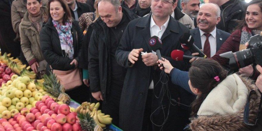 İmamoğlu, Tuzla'da semt pazarını gezdi: Göreceksiniz tüm İstanbul bizi tanıdıkça çok sevecek