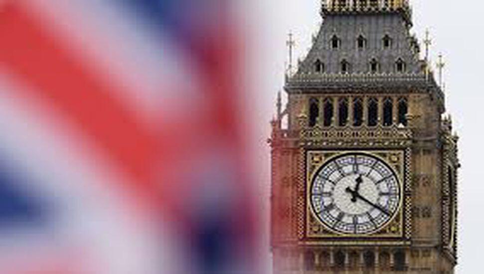 İngiltere'ye gelecek tüm yolculara 10 günlük karantina uygulanacak