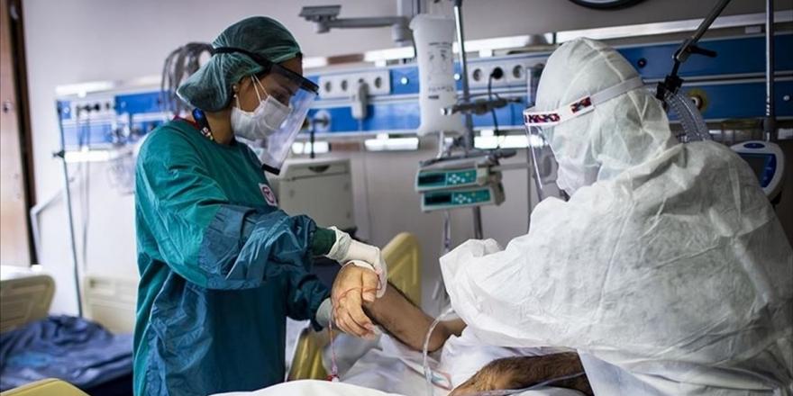 Dünya Genelinde Tedavisi Süren Kovid-19 Hasta Sayısı 25 Milyonu Aştı