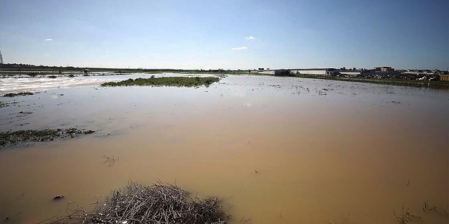 İsrail Gazze'nin Doğusundaki Tarım Arazilerini Sular Altında Bıraktı