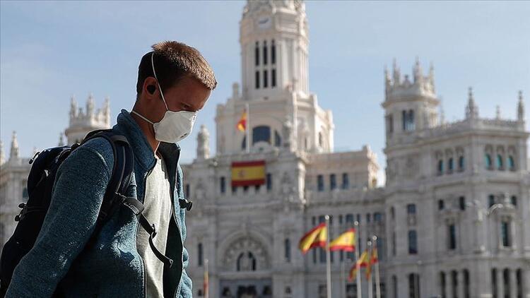 İspanya'da rekor vaka artışı (Madrid'de aşılamaya ara verildi)