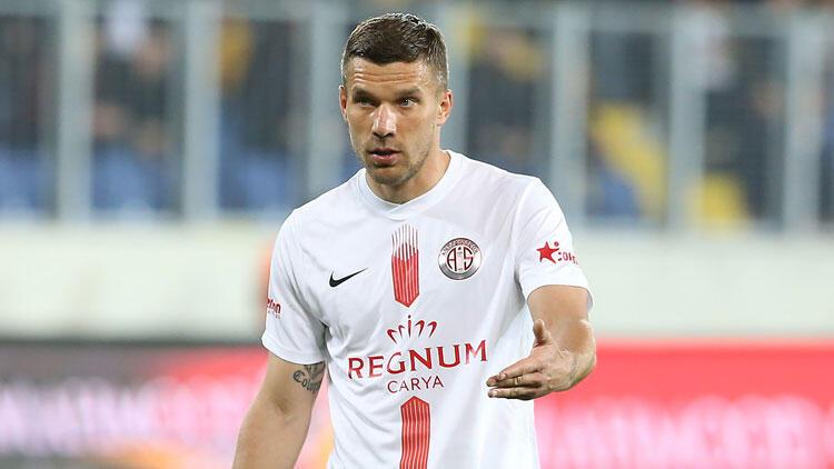 Lukas Podolski'den Mesut Özil Açıklaması