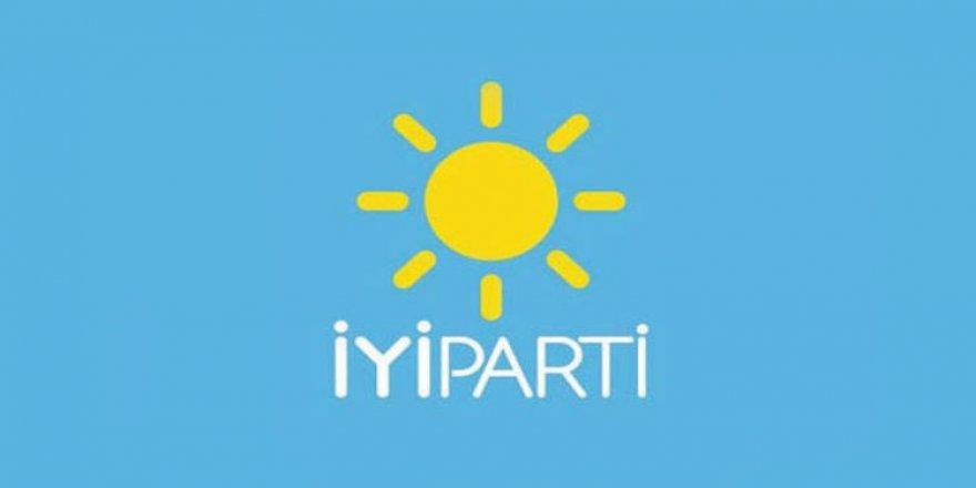 """300 kişi bu sözlerle İYİ Parti'den istifa etti: """"Kandırıldık"""""""