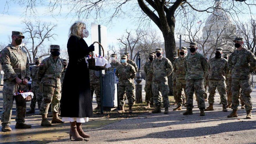 First Lady Jill Biden'dan Ulusal Muhafızlar'a kurabiyeli özür