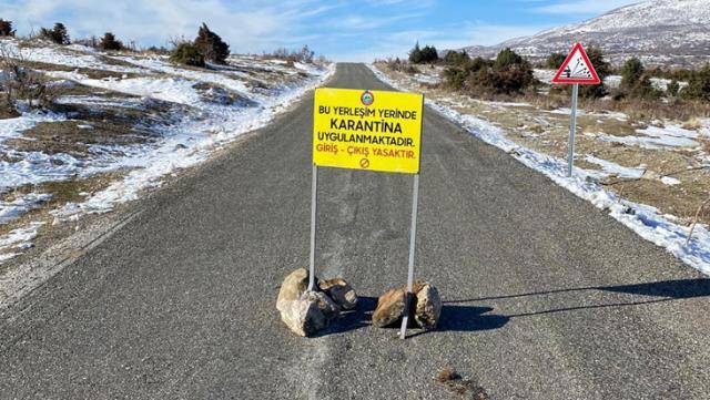Türkiyeden bir mahalle mutasyonlu koronavirüs nedeniyle karantinaya alındı
