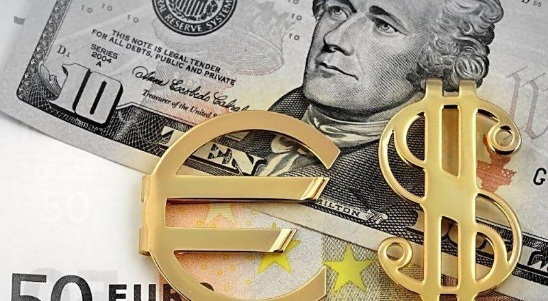 DOLAR VE EURO HAFTAYA DÜŞÜŞLE BAŞLADI