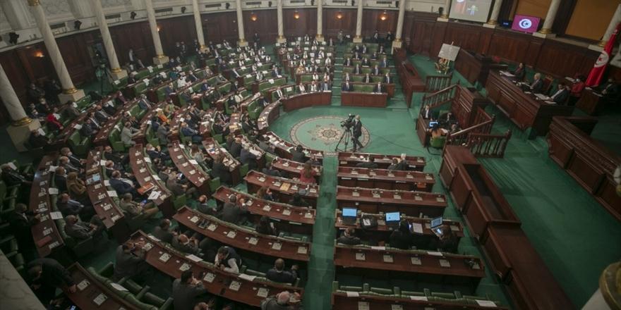 Tunus'ta Başbakan Meşişi'nin Yeni Kabinesi Güvenoyu Aldı