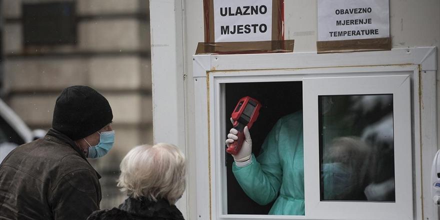 Bosna Hersek'te Kovid-19 Aşısının Hala Tedarik Edilmemesi Halkı Endişelendiriyor
