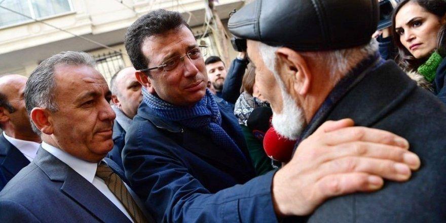 İmamoğlu ile vatandaş arasında cami diyaloğu: 'İnanma onlara, kurban olurum hacım'