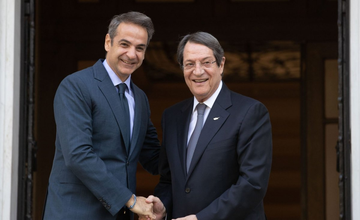 Rum Kesimi'ne ziyarette bulunan Yunanistan Başbakanı Miçotakis sınırı aştı