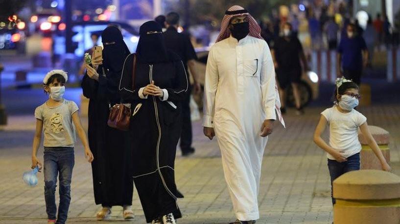 Suudi Arabistan'da corona önlemleri uzatıldı
