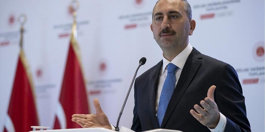 Adalet Bakanı Gül: Bin hakim ve savcı alınacak