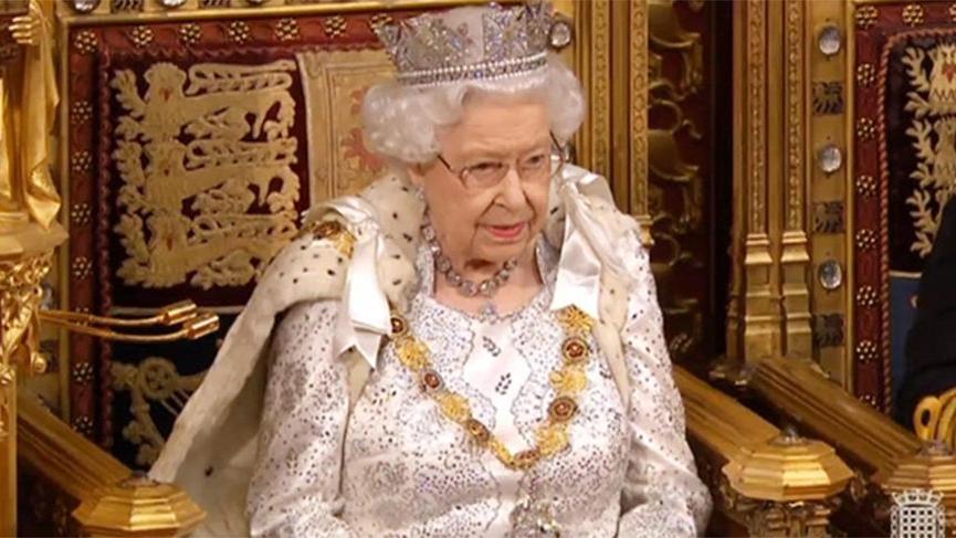 'Kraliçe Elizabeth, Harry ve Meghan'ın yerini kimin alacağına karar verdi'