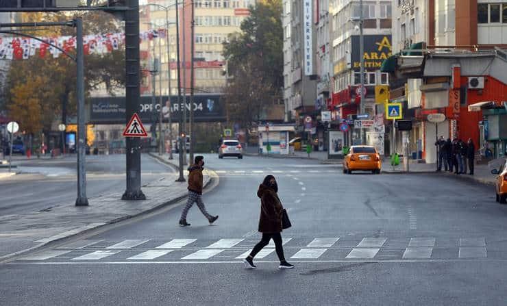 Bilim Kurulu üyesinden kent kent analiz: Hangi iller normalleşmeye daha yakın?