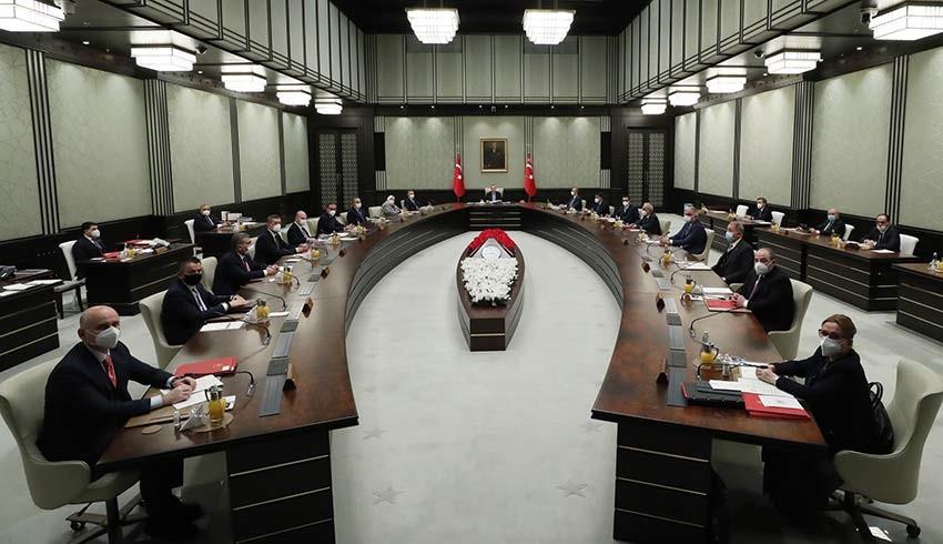 AKP'nin Mart'taki kongresi kabine değişimi getirir mi?