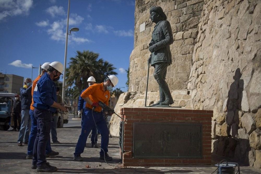 İspanya'da Francisco Franco'nun son heykeli de kaldırıldı