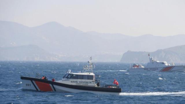 Gökçeada'da içinde 5 kişinin bulunduğu tekne alabora oldu: 1 kişi öldü, 2 rütbeli asker kayıp