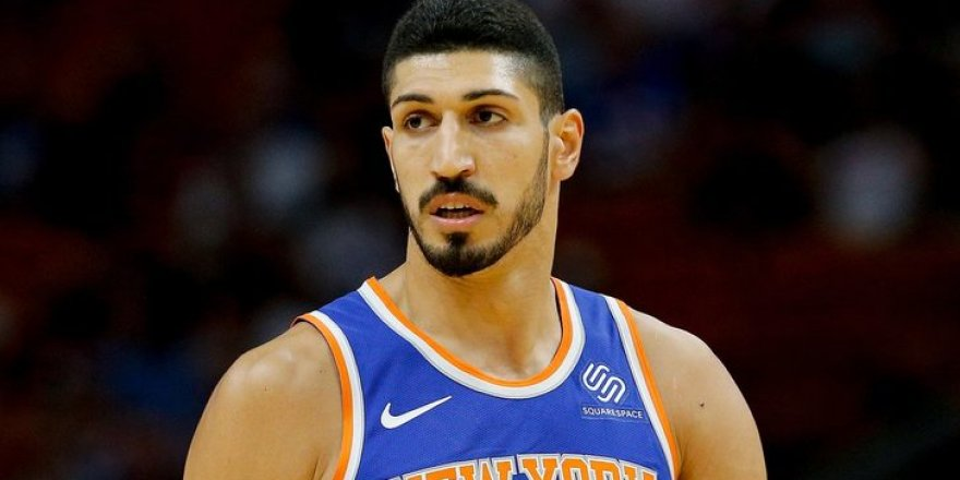FETÖ firarisi Enes Kanter, New York Knicks'ten kovuldu!